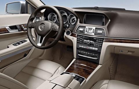Mercedes-Benz E-Class Cabrio big-4