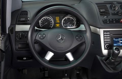 Mercedes-Benz Viano big-4