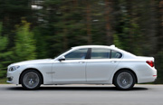 BMW 7-Series thumb-2