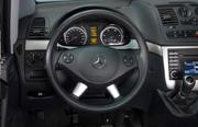 Mercedes-Benz Viano thumb-4